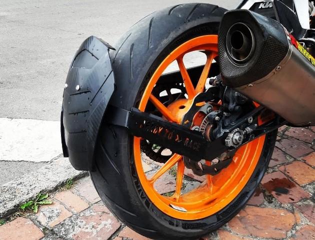 a1c91dc9e3 Lion Motos | GUARDABARROS FLOTANTE KTM DUKE 390 | lion motos ...